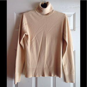 H&M turtleneck sweater medium